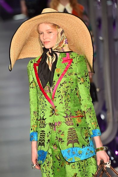 gucci-fall-winter-2017-straw-hat-oversized-runway-show