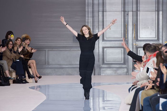 Chloé Fall 2017: the fashion pack salutes Clare Waight Keller's body of work