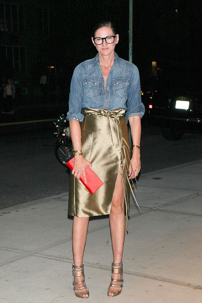 jenna-lyons-denim-shirt-pencil-skirt-going-out-outfit-inspiration
