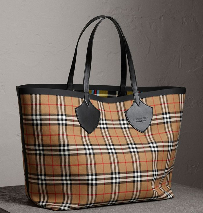 shop-burberry-giant-reversible-tote-vintage-check-cotton