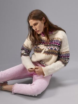 So, apparently après-ski sweaters are a thing again (and it's not even winter yet)