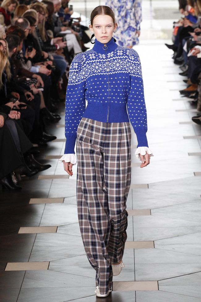 How to style apres-ski sweaters like cool girls this winter