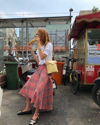 This asymmetric midi skirt, the fashion crowd swears by