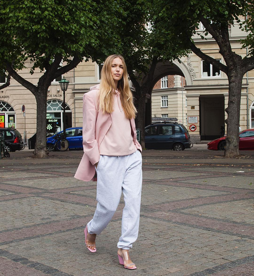 pernille-teisbaek-track-pants-ankle-cuffs-outfit
