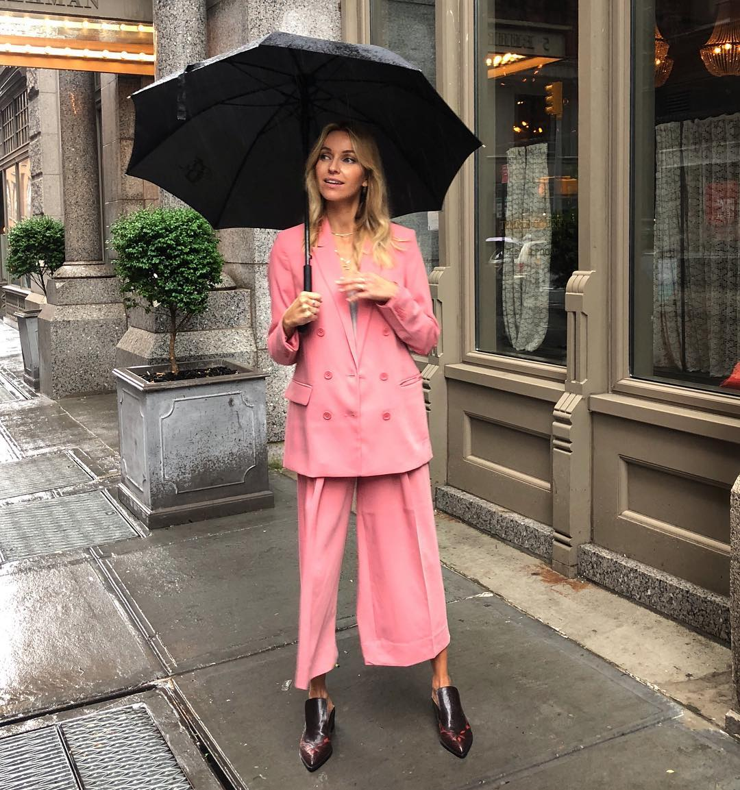 hege-aurelie-pink-suit-outfit-street-style