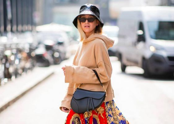 This fall, you definitely need a printed midi skirt