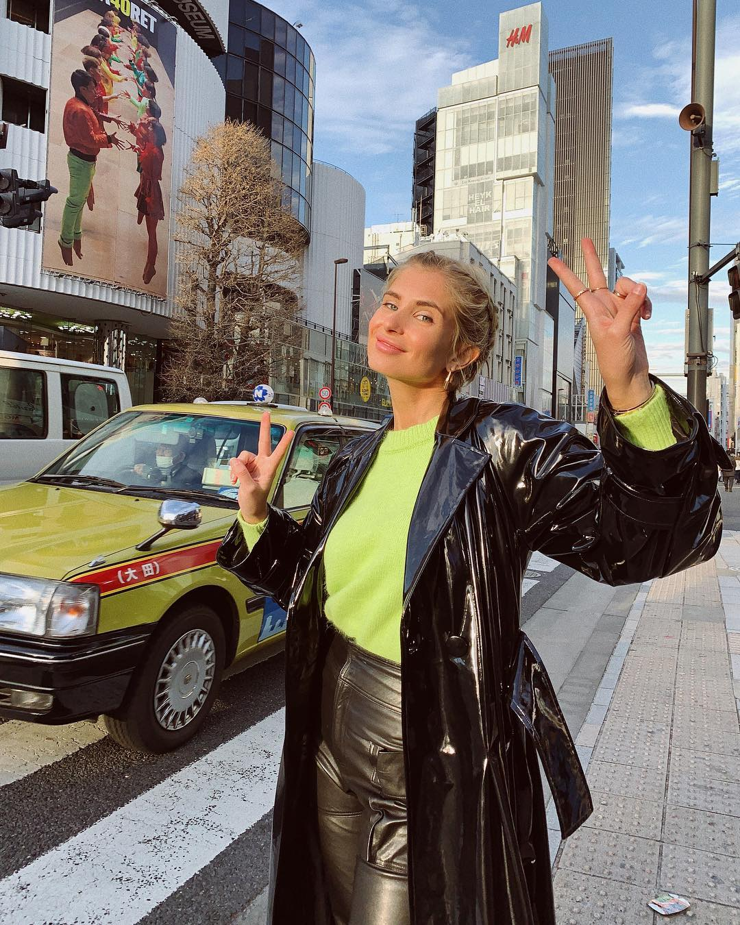 xenia-adonts-neon-green-sweater-tokyo-street-style-instagram