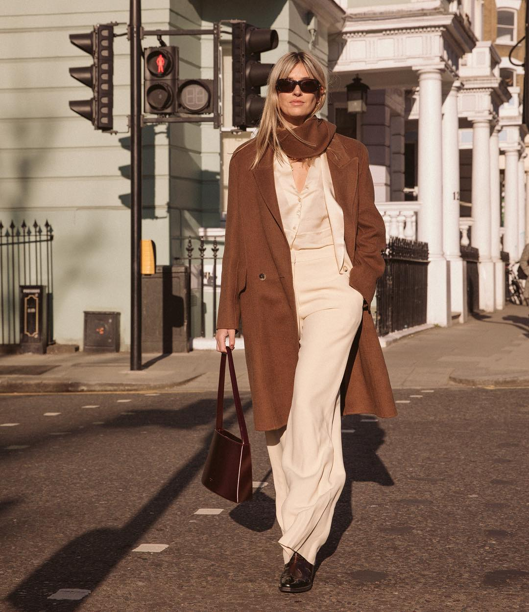 camille-charriere-low-classic-seoul-total-look