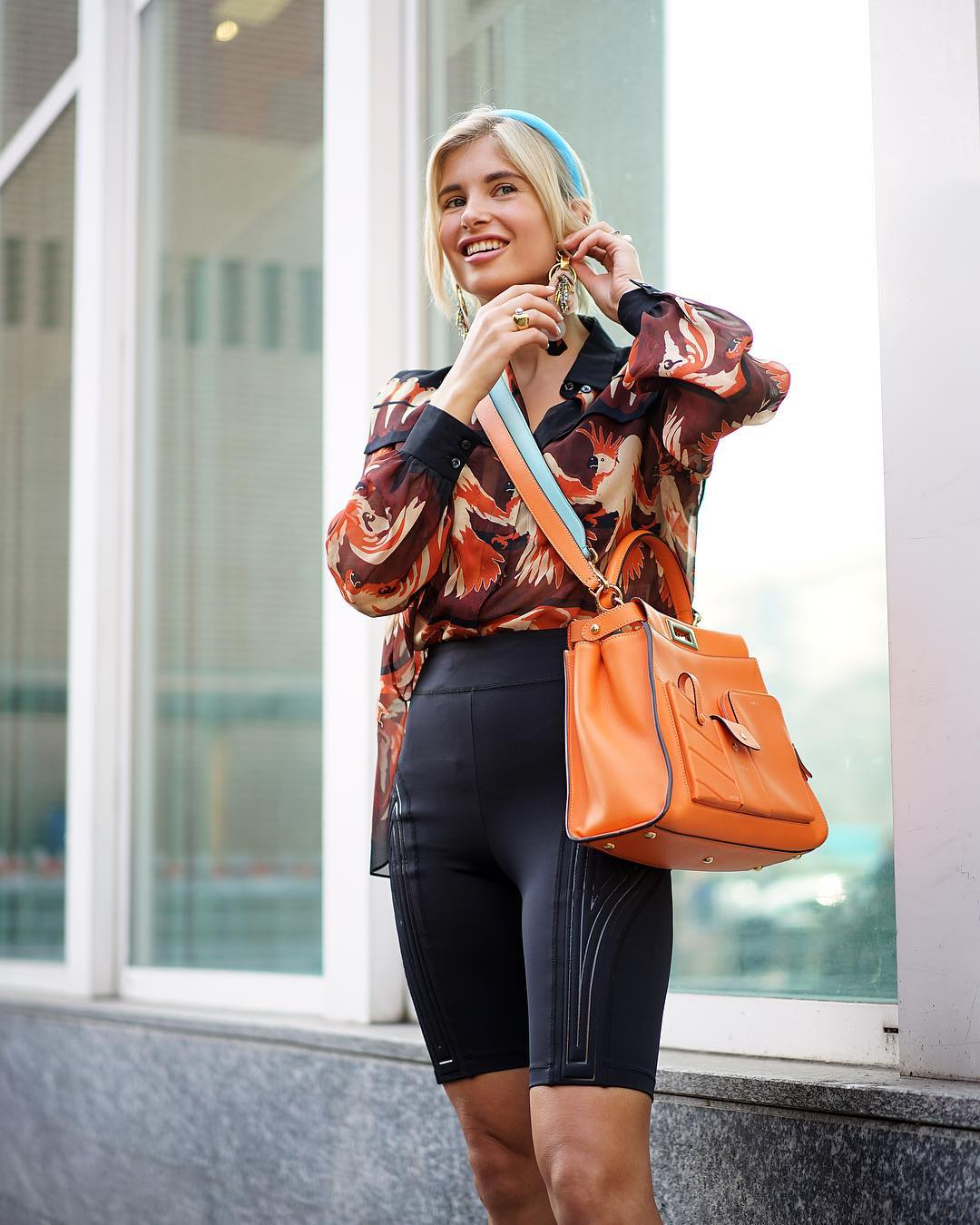 xenia-adonts-fendi-peekaboo-regular-pocket-orange-bag-milan-street-style
