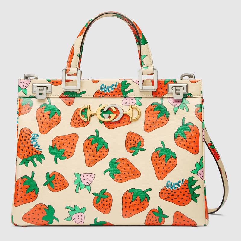 gucci-zumi-strawberry-print-boston-bag