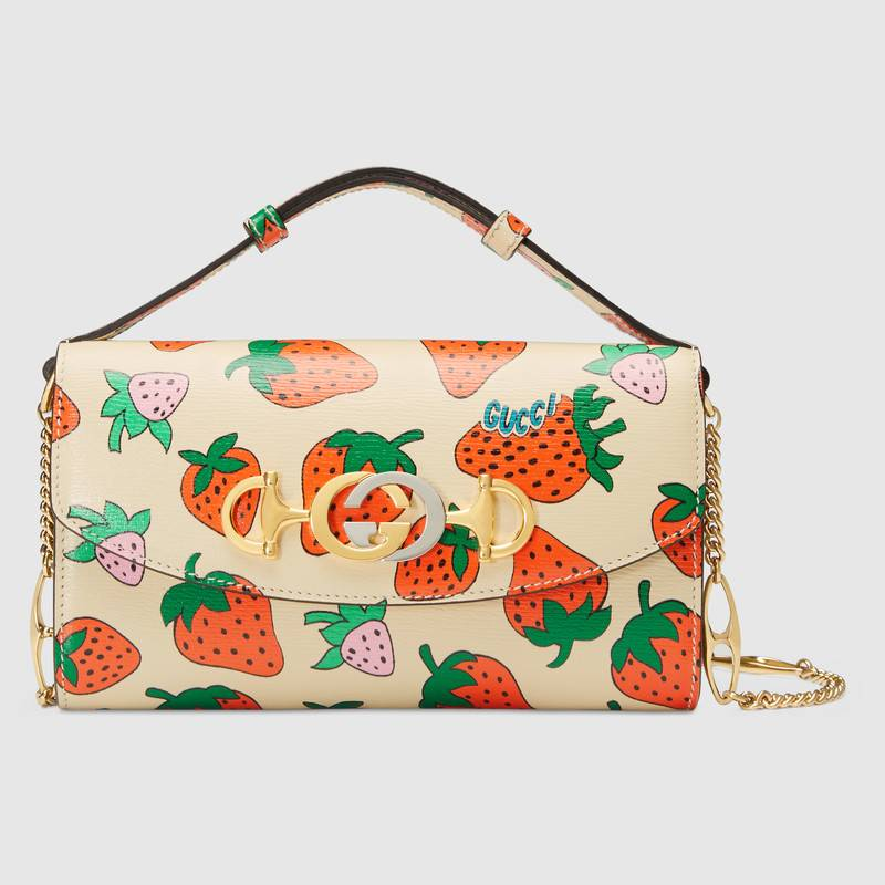 gucci-zumi-strawberry-print-mini-bag