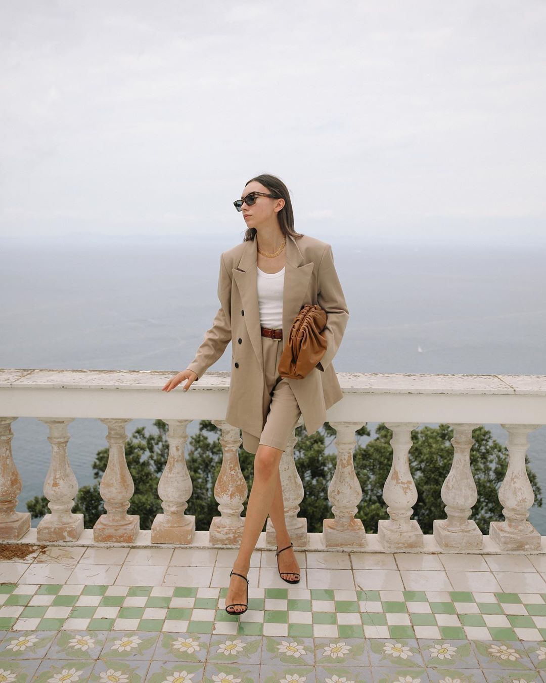 beatrice-gutu-frankie-shop-blazer-shorts