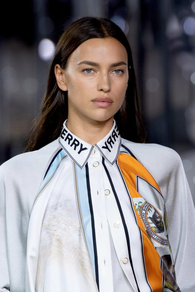 rina-shayk-burberry-spring-2020-runway-show-beauty-look