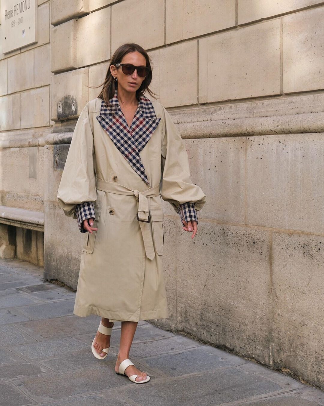 louchloe-harrouche-jw-anderson-checked-gabardine-trench-coat-fall-2019