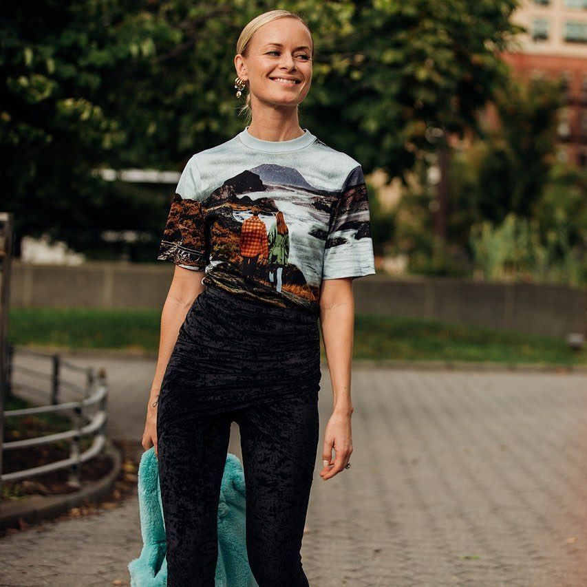 thora-valdimars-chloe-printed-cotton-t-shirt-new-york-street-style-spring-2020