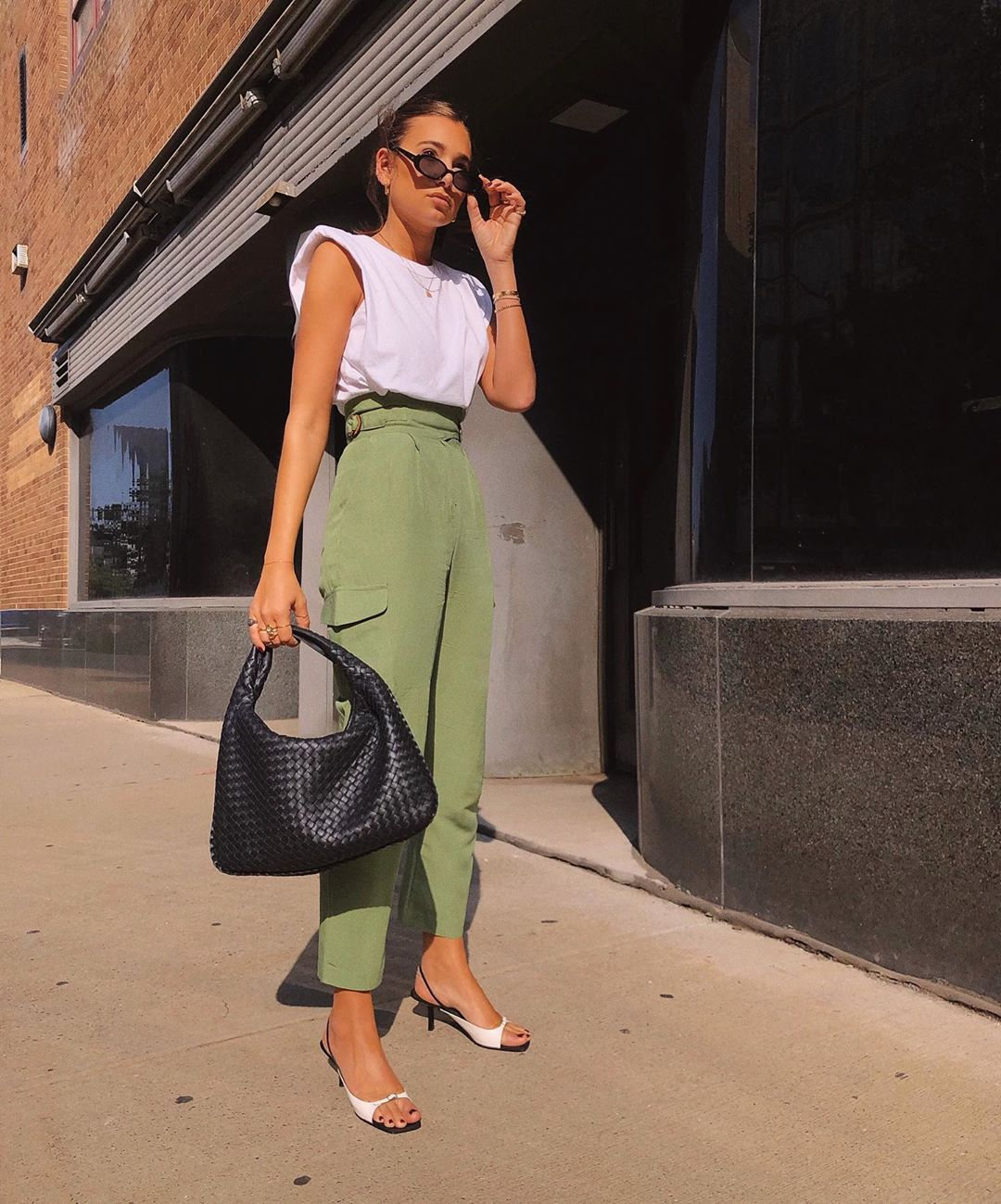 danielle-bernstein-frankie-shop-padded-muscle-tee-white-outfit-instagram