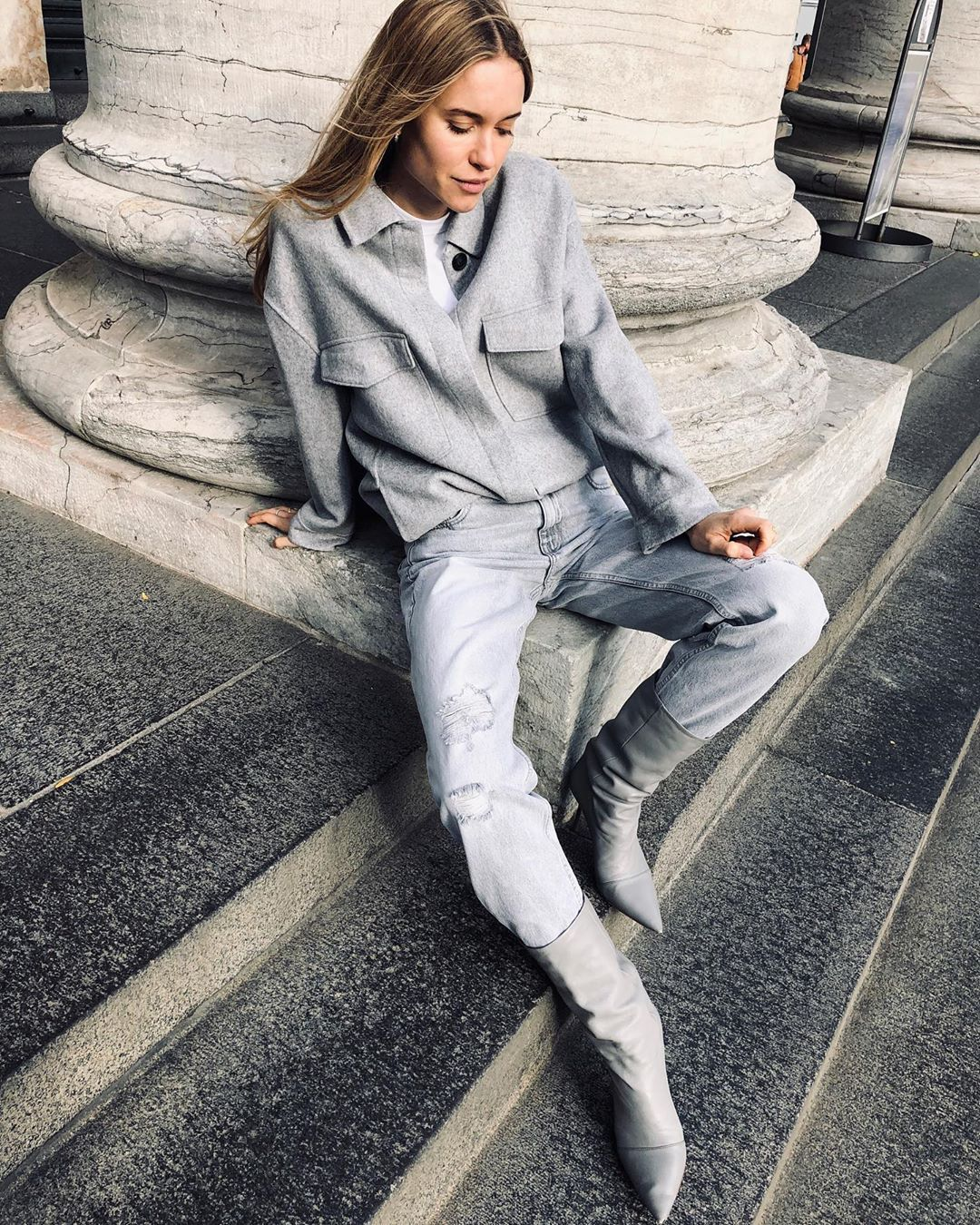 pernille-teisbaek-head-to-toe-grey-mango-outfit-fall-2019