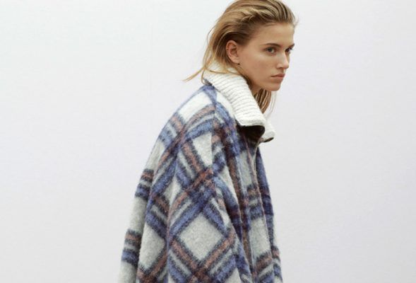 This cozy overzised checked coat, you'll find on every influencer's wish list right now
