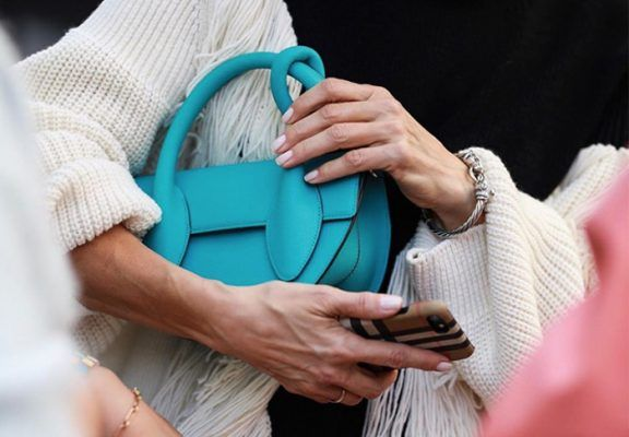 Blame it on the cool girls: You need a blue bag