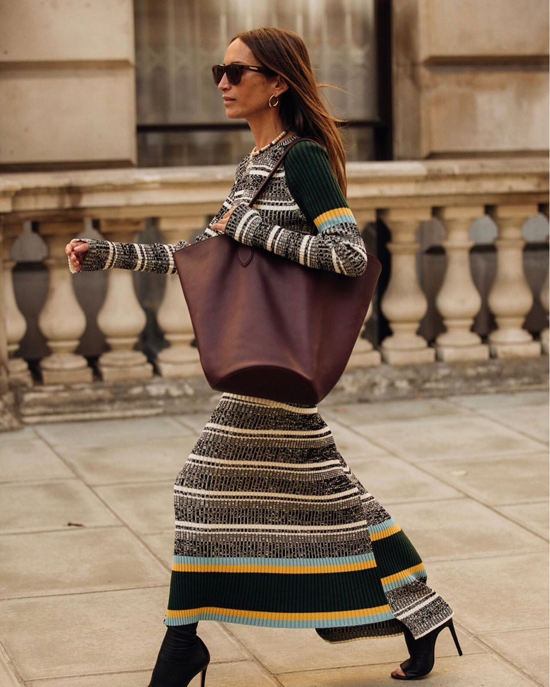 victoria-beckham-striped-ribbed-cotton-sweater-matching-skirt-chloe-harrouche-street-style