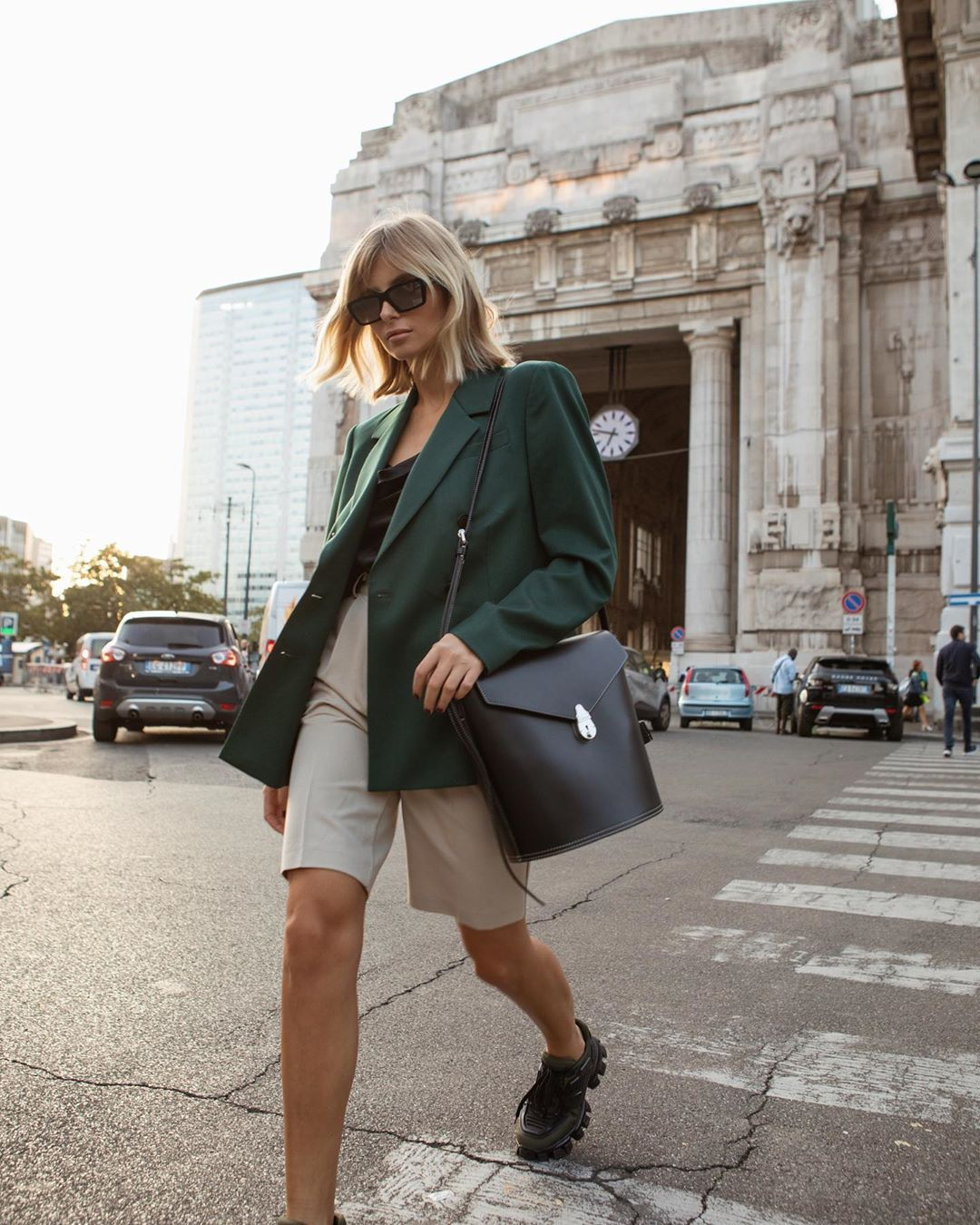 xenia-adonts-trouser-shorts-outfit-street-style