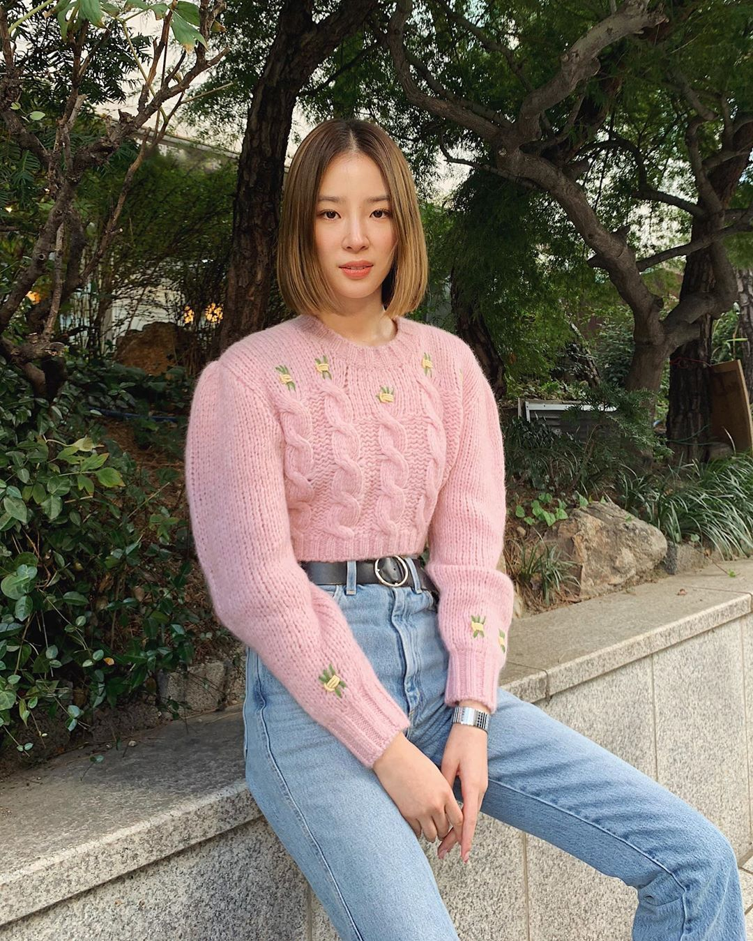 alessandra-rich-cropped-alpaca-wool-blend-pink-sweater-irene-kim-instagram