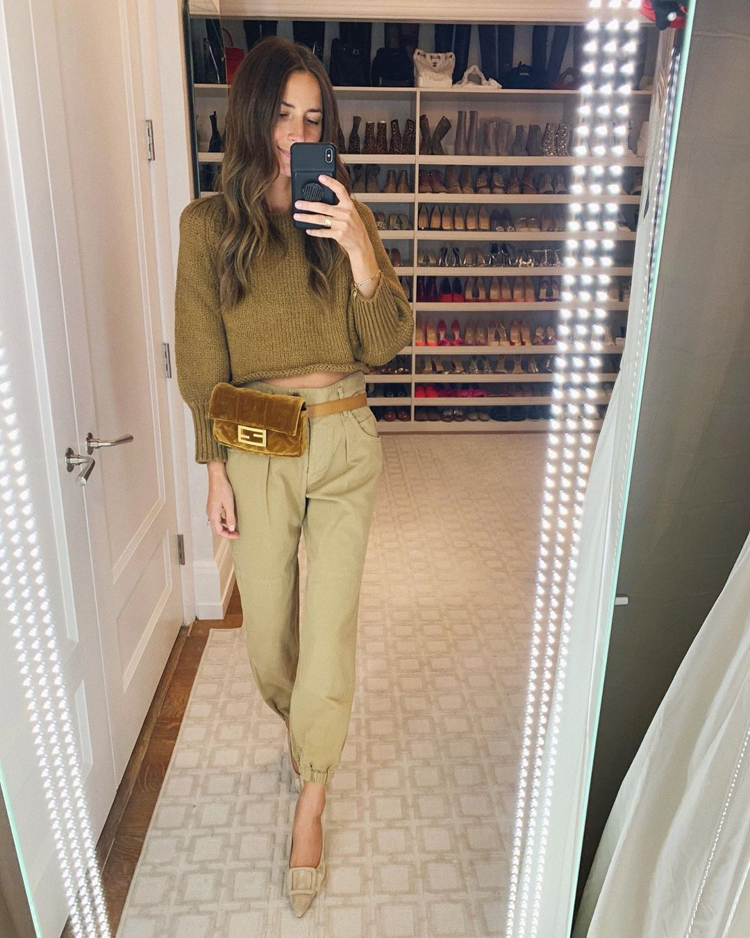 arielle-charnas-thanksgiving-outfit-inspiration-instagram