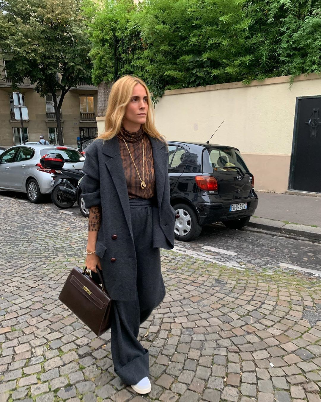 blanca-miro-gray-overszied-suit-fall-instagram