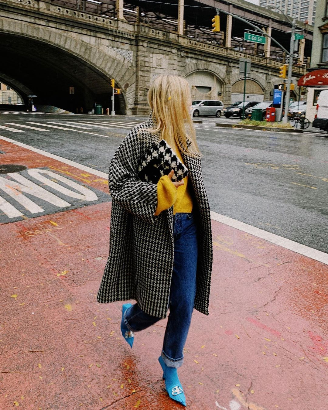 charlotte-groeneveld-balenciaga-houndstooth-wool-and-cashmere-coat-instagram
