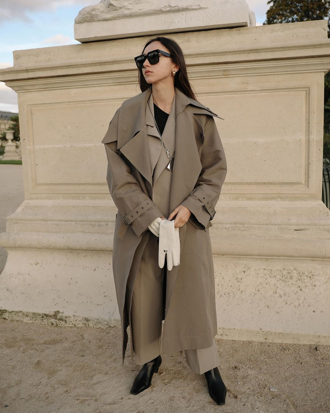 beatrice-gutu-low-classic-belted-layered-canvas-trench-coat-instagram