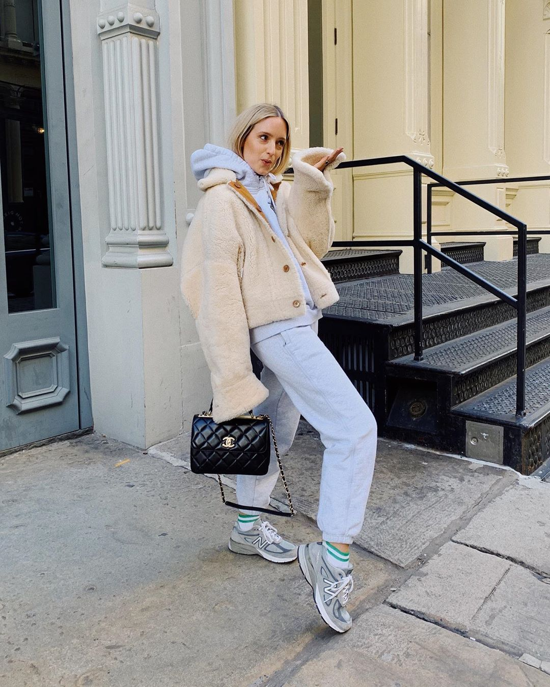 charlotte-groeneveld-sweatsuit.sharling-jacket-outfit-instagram