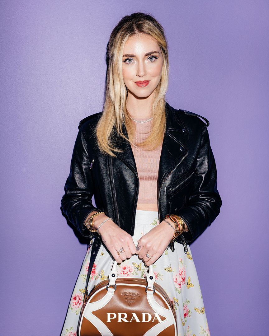 chiara-ferragni-prada-bowling-bag-cognac-white-leather-instagram