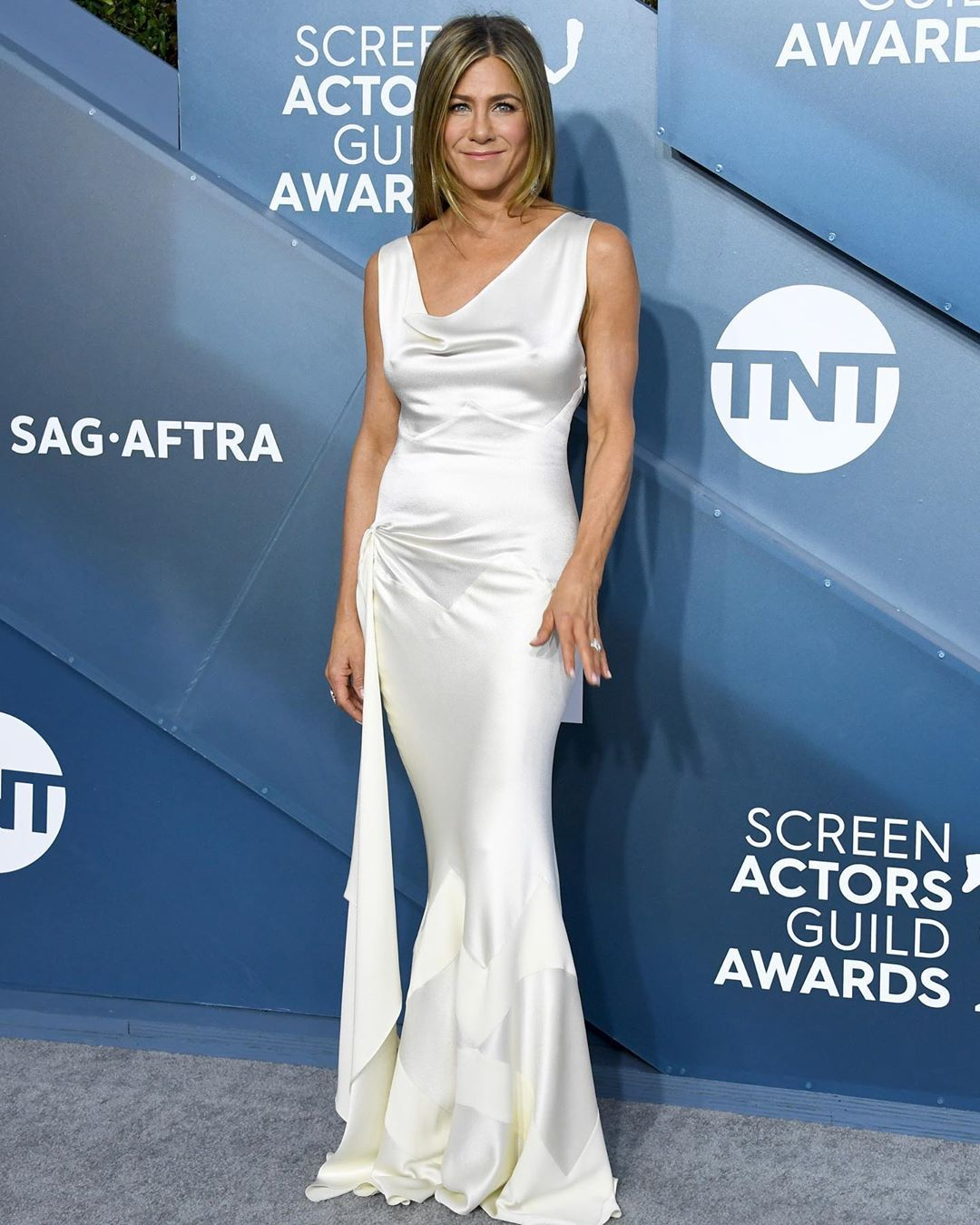 jennifer-aniston-vintage-dior-by-john-galliano-sag-awards-2020