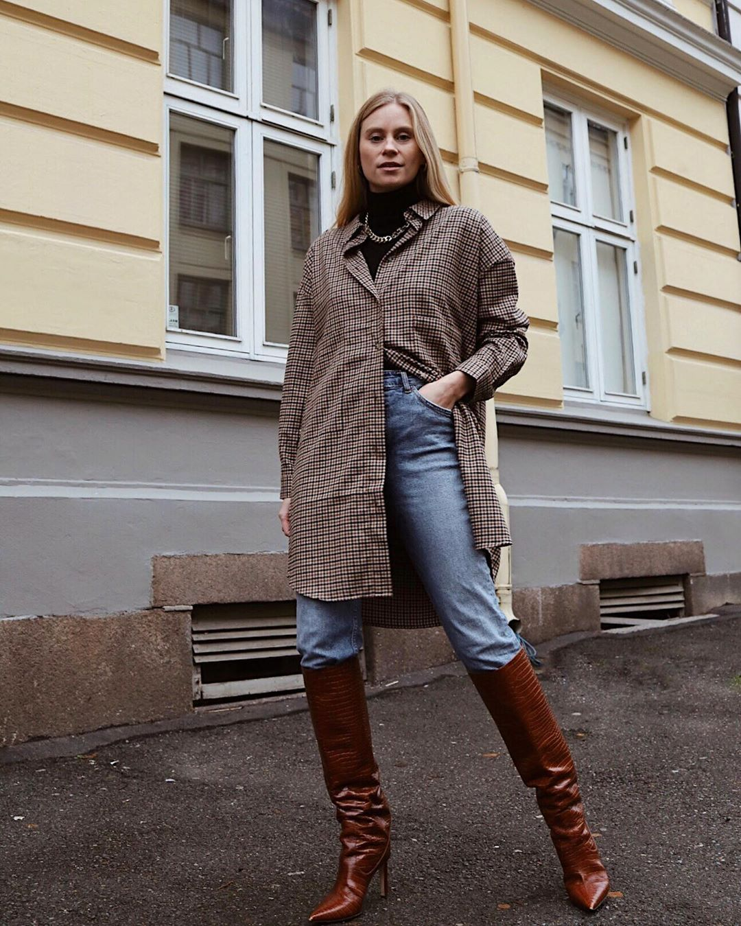 tine-andrea-envii-oversized-shirt-outfit-instagram