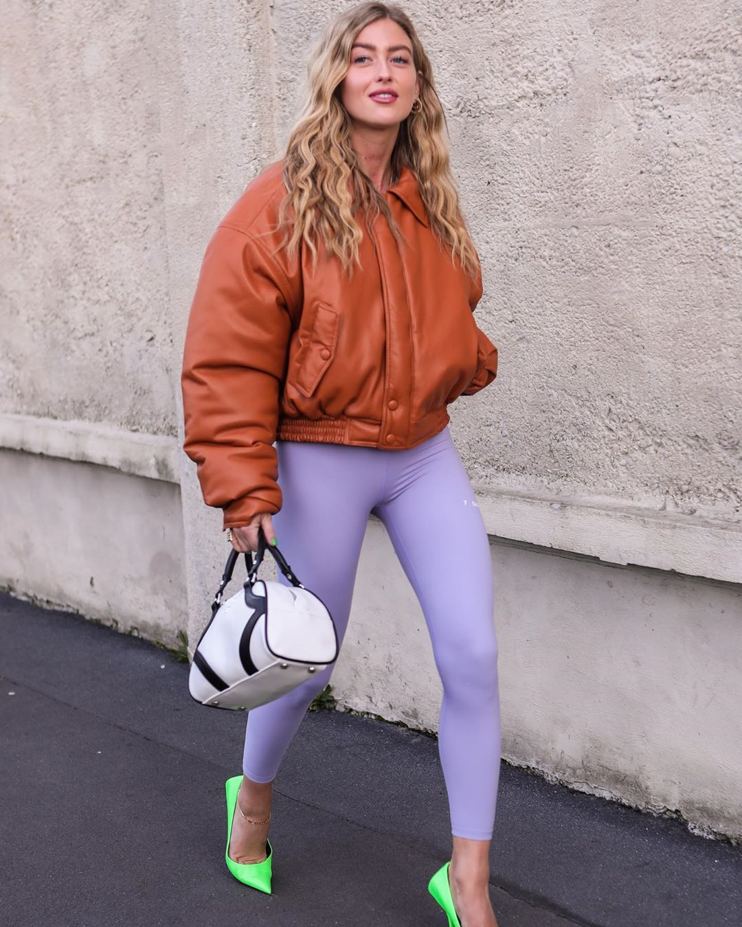 emili-sindlev-leggings-balenciaga-square-knife-neon-green-pumps