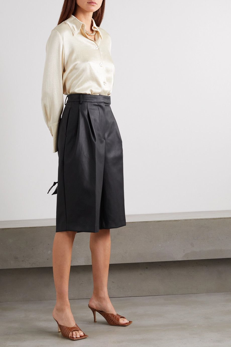 frankie-shop-pernille-pleated-faux-leather-shorts