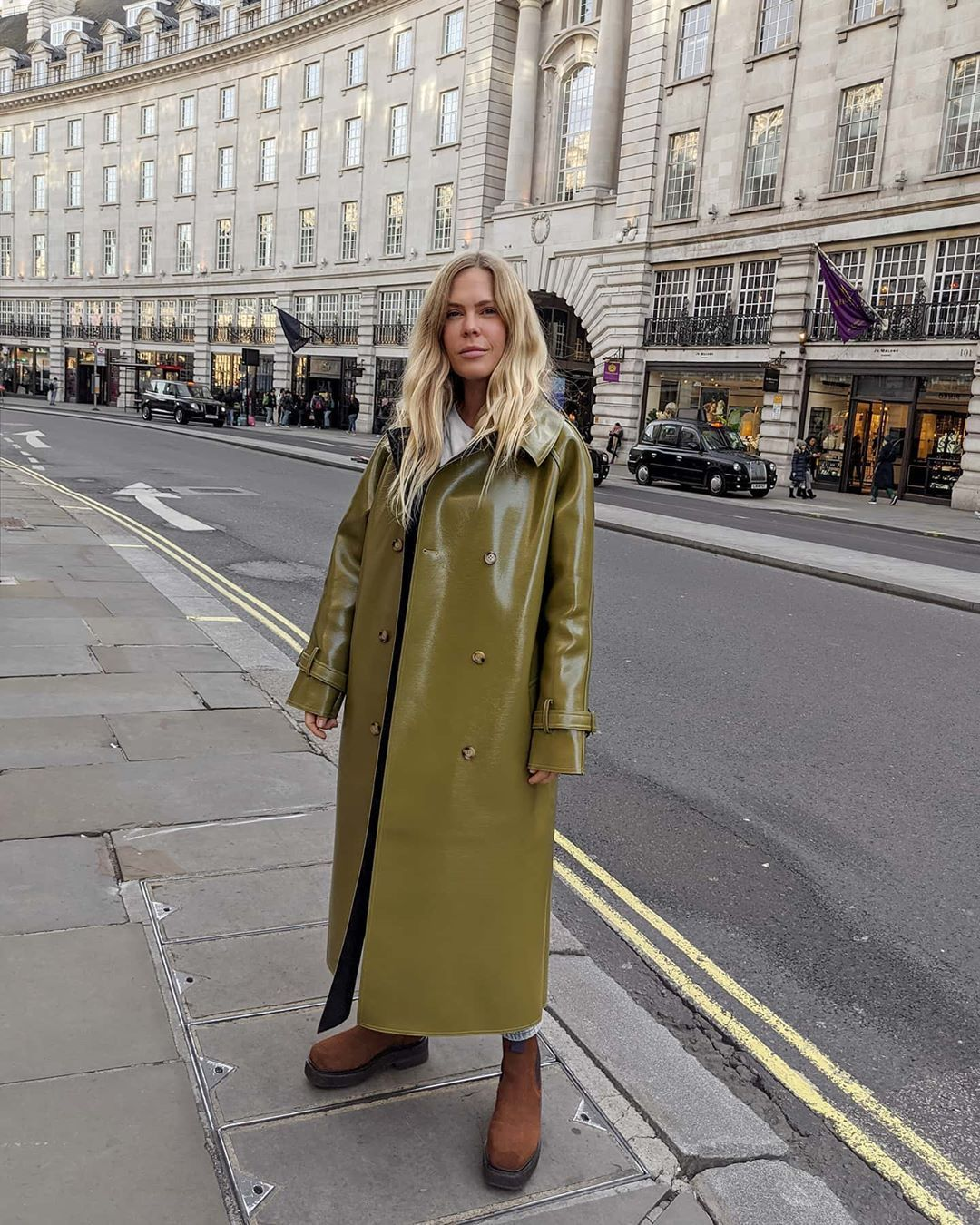 jessie-bush-oversized-double-breasted-glossed-faux-textured-leather-trench-coat-instagram