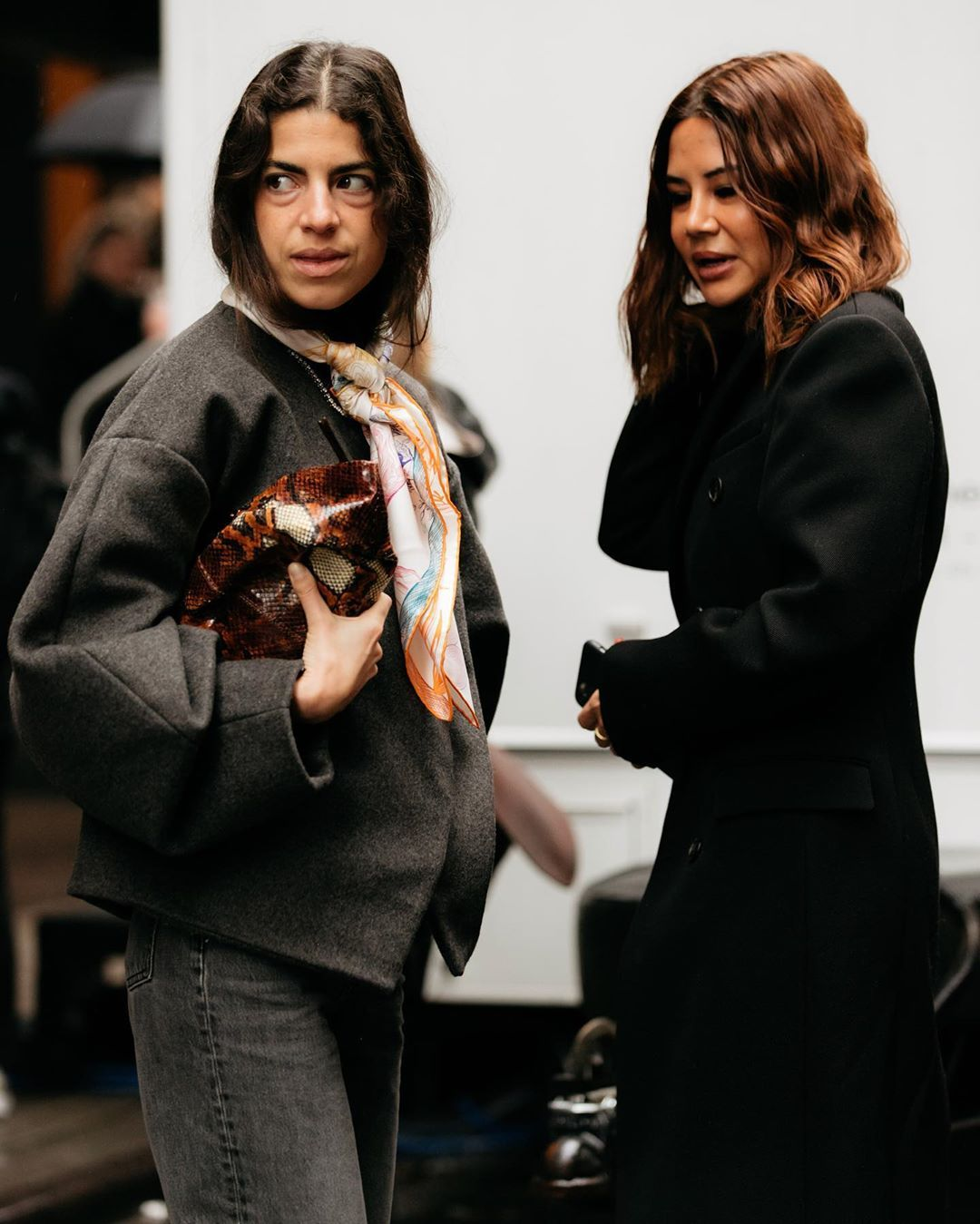 leandra-medine-the-volon-gabi-mini-snake-effect-leather-clutch-nyfw