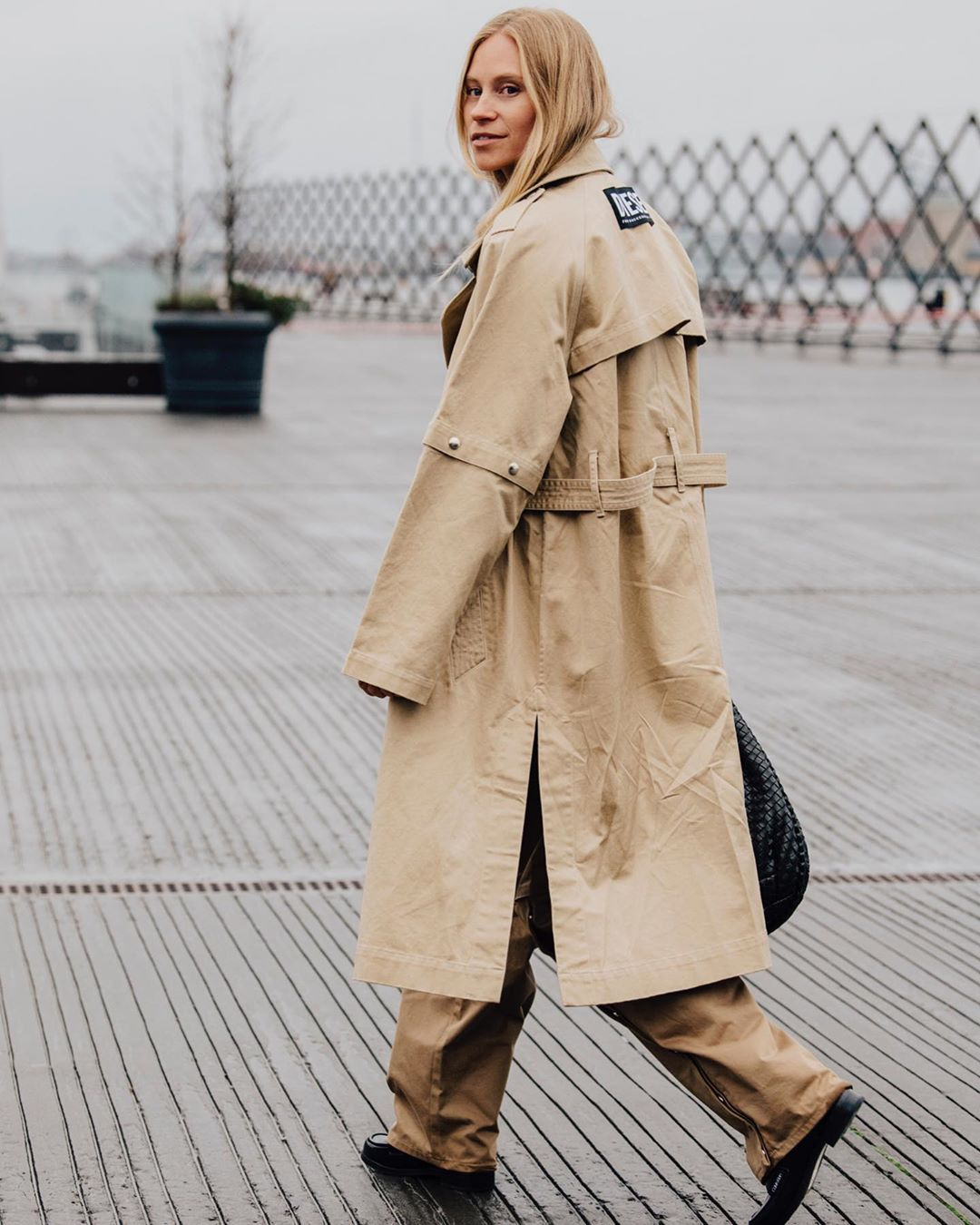 tine-andrea-diesel-double-breasted-trench-coat-street-style