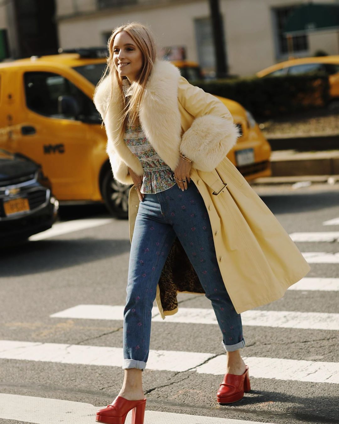 charlotte-groeneveld-marc-jacobs-the-victorian-blouse-street-style