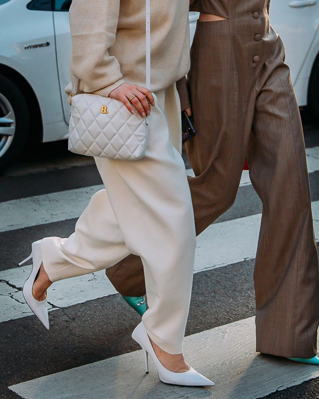 balenciaga-b-quilted-shoulder-bag-white-jeanette-madsen-street-style