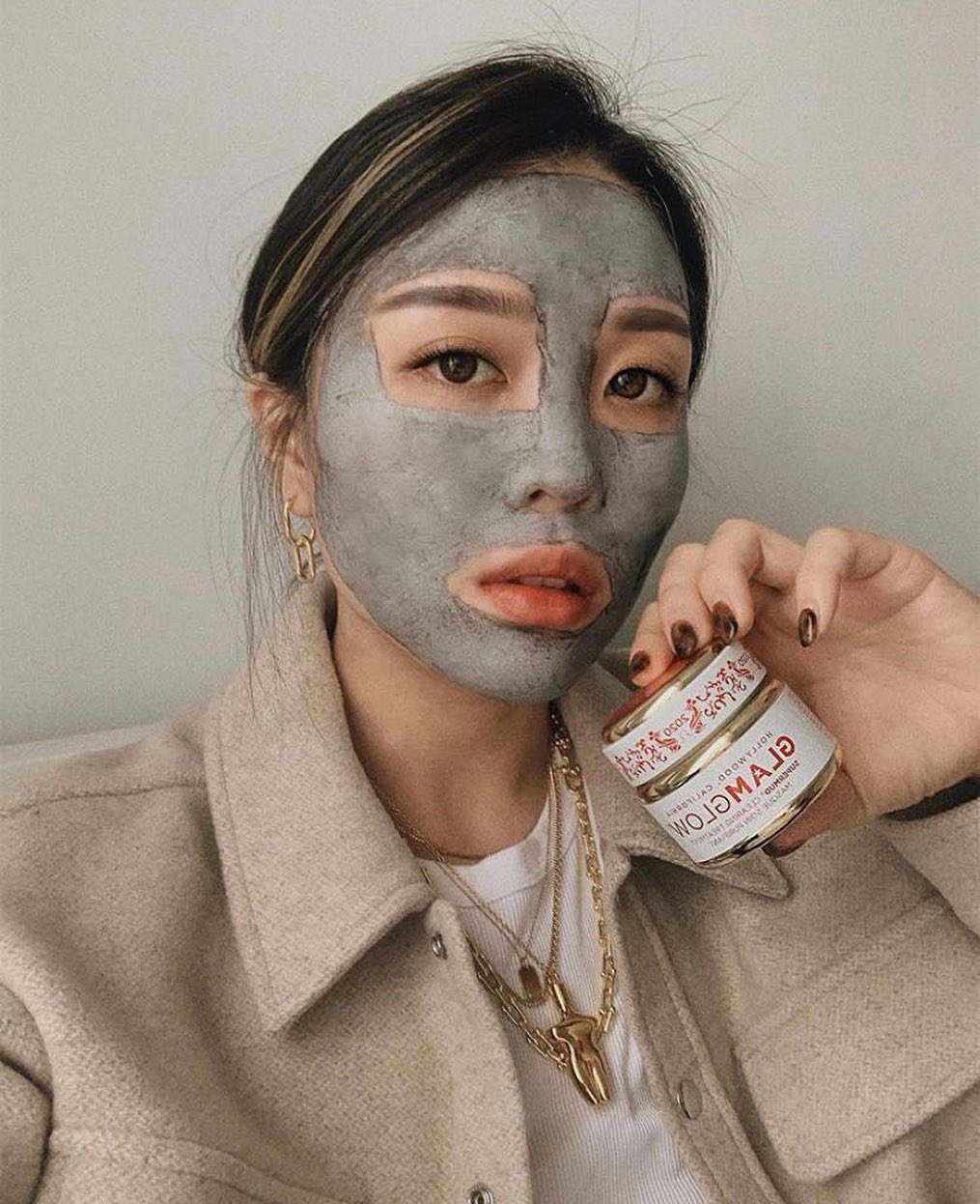 cher-bai-glamglow-supermud-face-mask-instagram