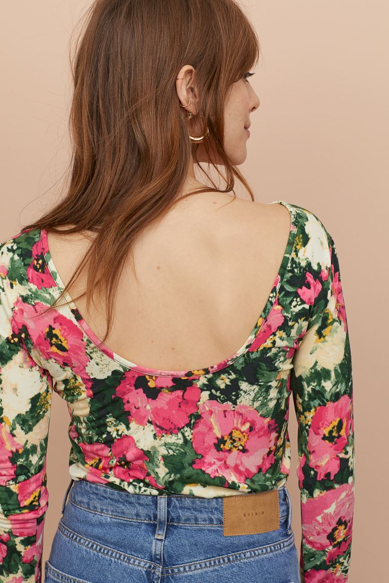 hm-floral-top-with-low-cut-back