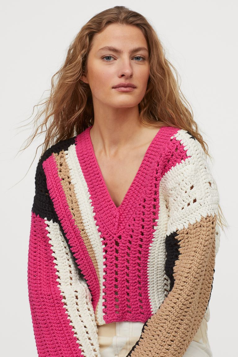 hm-studio-cropped-crocheted-sweater