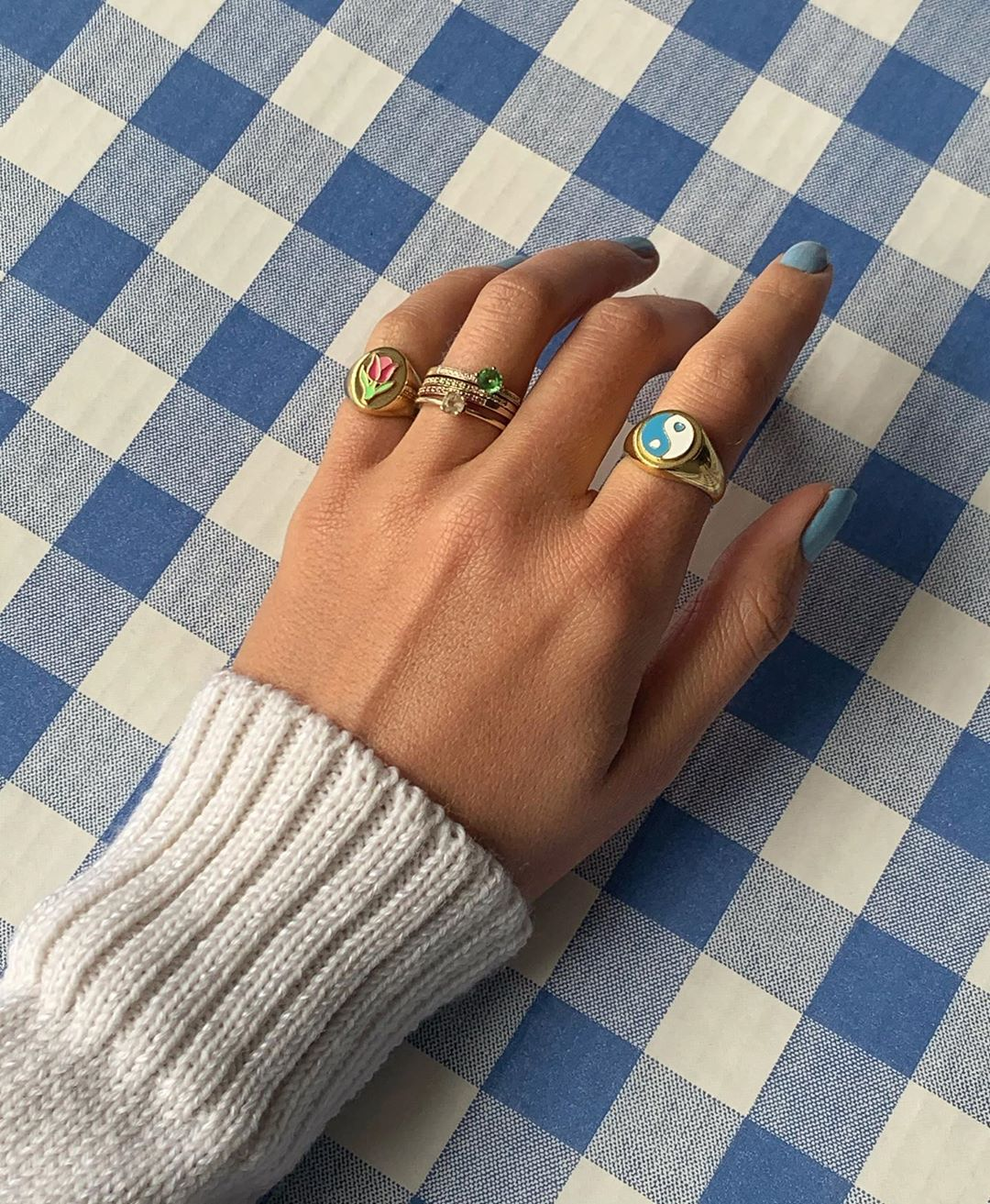 anna-winck-ring-stack-instagram