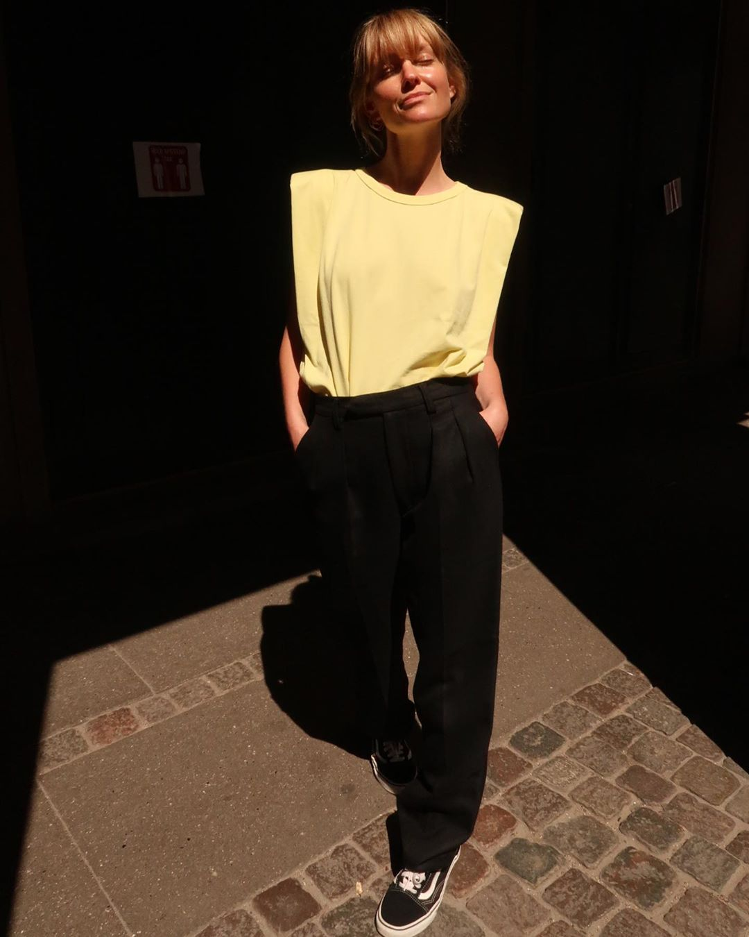 jeanette-madsen-frankie-shop-eva-padded-shoulder-mucle-tee-sunshine-yellow-camille-charriere