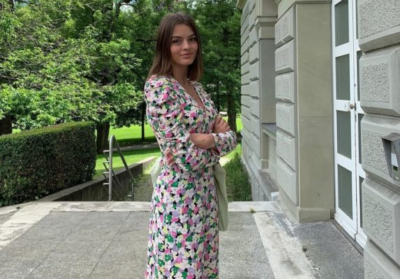 I'm obsessed with these sustainable dresses (and so are style influencers)