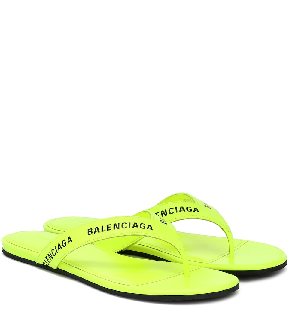 balenciaga-logo-leather-thong-sandals-fluorescent-yellow
