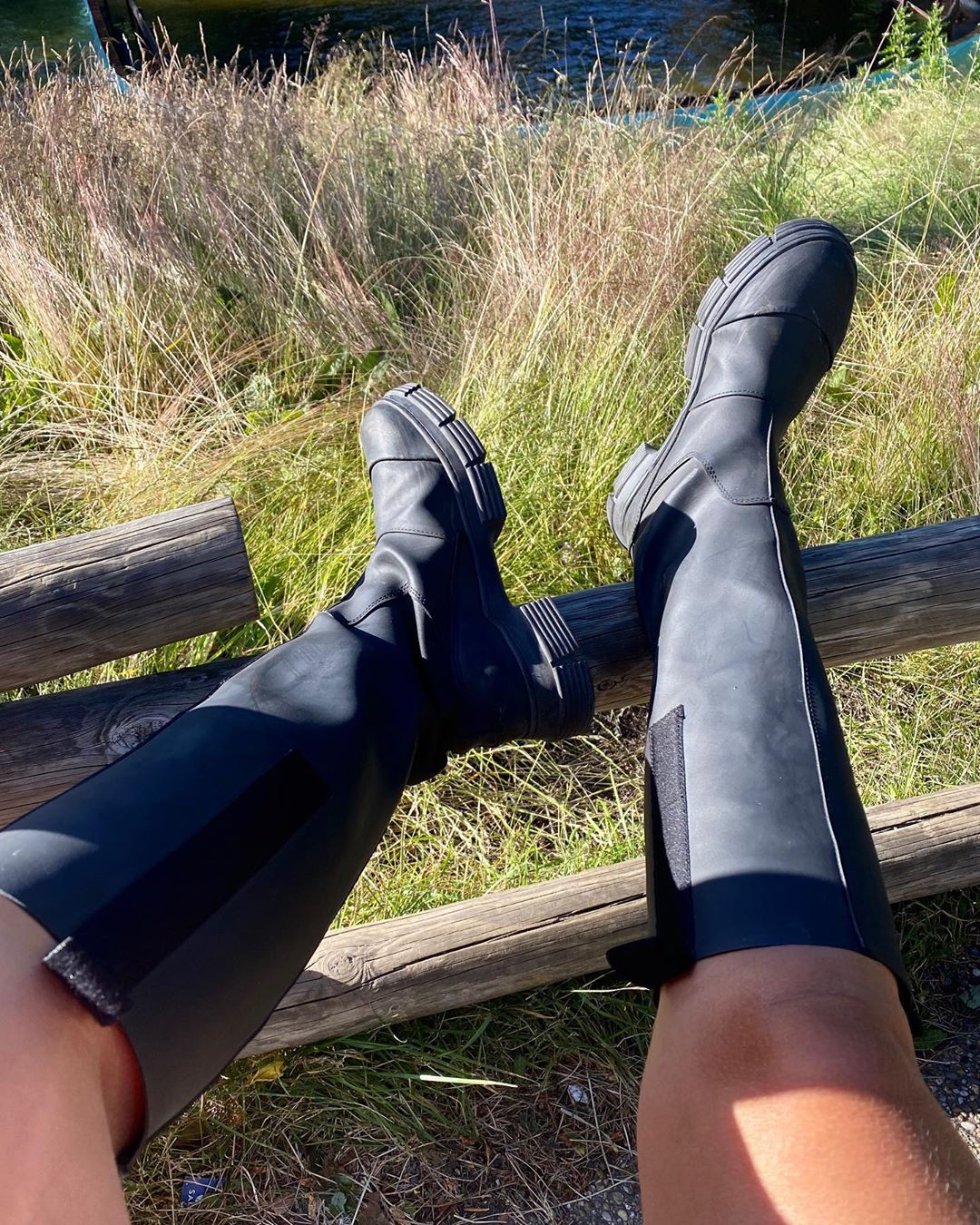 janka-polliani-ganni-rubber-knee-high-boots-instagram