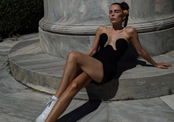 These influencers just wore the sexiest dress of the season